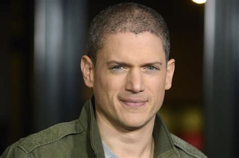 prison break star wentworth miller shuts down fat shaming i put on weight big f king deal wentworth miller
