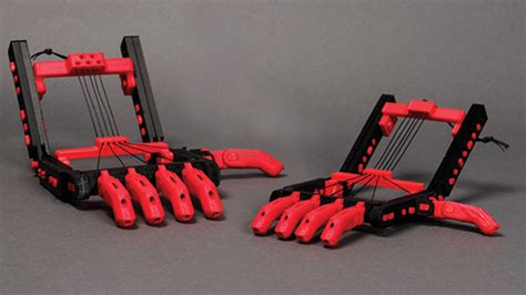 printing creates  cost prosthetic fingers machine