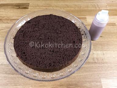 Bagnare Il Pan Di Spagna Drip Cake La Torta Con Ganache Gocciolante Kikakitchen
