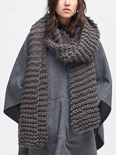 oversized knit scarf how to choose a chunky knit scarf yishifashion