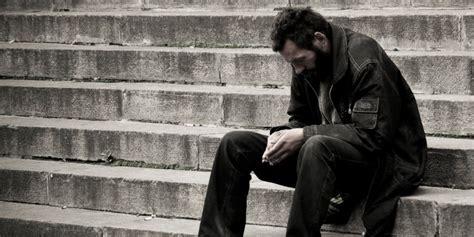 imagenes de hombres tristes y solos banco de imagenes y fotos gratis im 225 genes y fotos de