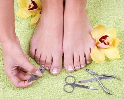 how to cut s toenails how to trim properly human toenails lahorimela