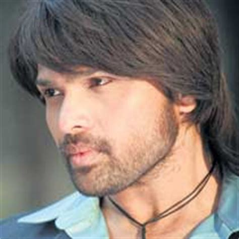 himesh reshammiya hair transplant entertainment stop himesh reshammiya still uses a wig