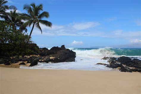 Makena Cove blue wave   Cheap Maui Vow Renewal Ceremony