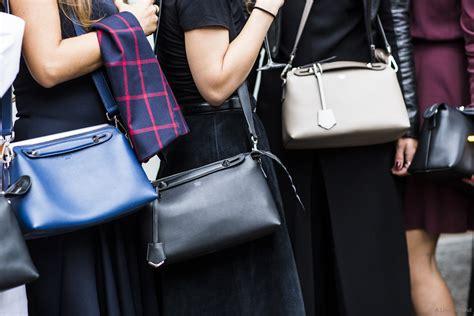 New Tas Fendi By The Way Karlito Large 87008 Semi Premium 时装周后你一定要认识的5款新晋美包 包包 悦时尚 华人时尚美妆流行趋势 北美省钱快报旗下网站