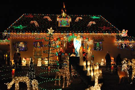 over the top christmas lights how do they do it