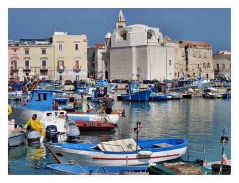 trani porto porto di trani ba foto immagini paesaggi mare