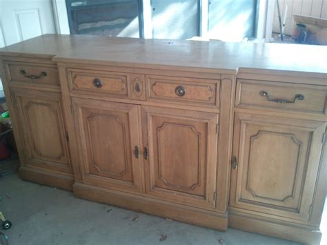 hi i have a thomasville 6 ft buffet with d 945 11 sted