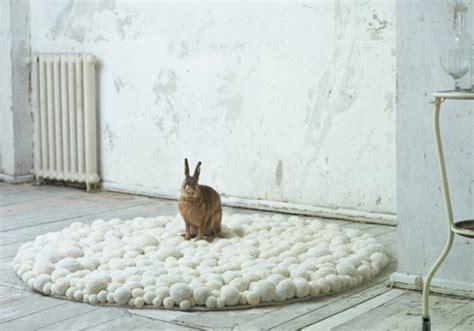 runde designer teppiche designer teppiche aus bommeln der berliner designerin