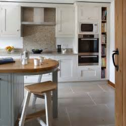 white shaker style kitchen housetohome co uk pearl white shaker style kitchen cabinets omega