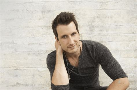 russell dickerson best songs rising artist russell dickerson on how perseverance shaped