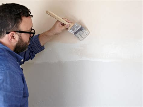 painting a wall how to paint an ombre wall home remodeling ideas for