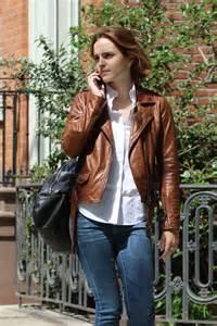 emma watson jeans emma watson booty in jeans 09 gotceleb