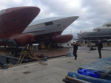 capitaneria di porto viareggio operazione di rimorchio nel porto di viareggio guardia