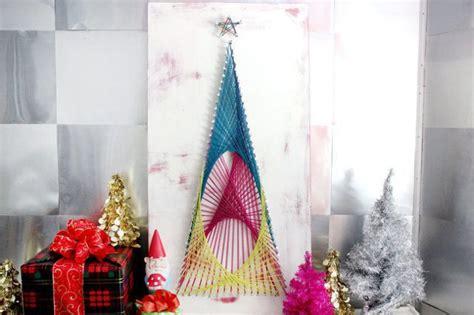 membuat pohon natal kreatif kreatif ceriakan ruanganmu dengan dekor pohon natal yang