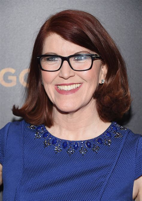 shoulde length with a flip kate flannery flip shoulder length hairstyles lookbook