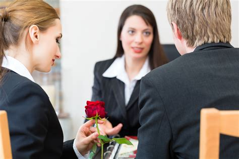 3 ways a funeral home helps you make arrangements e c
