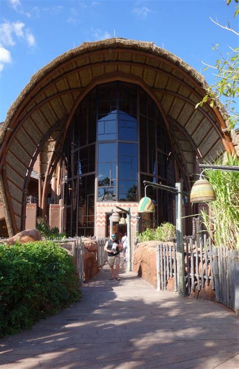 theming and accommodations at the villas at disney s grand theming and accommodations at disney s kidani village