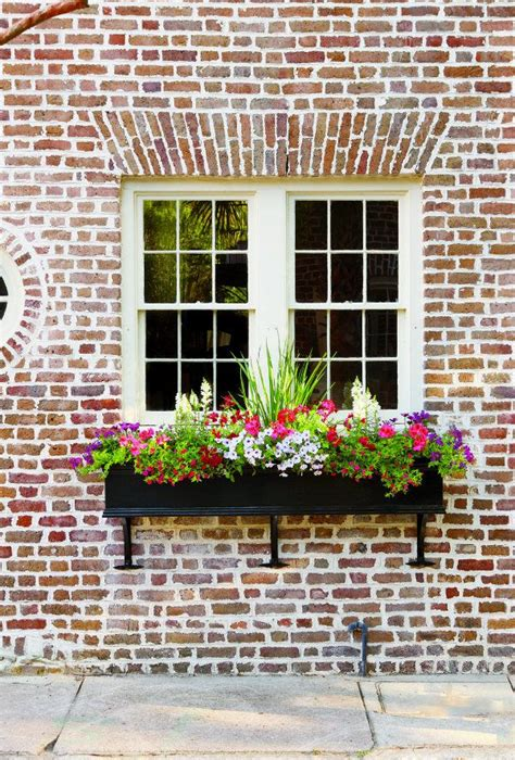 outdoor window box 25 best ideas about window boxes on outdoor