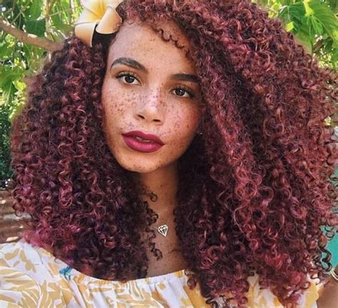 spiral curls toward the face period mane addicts 10 instagram naturalistas you should follow