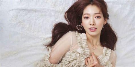 park shin hye flaunts her natural beauty for elle