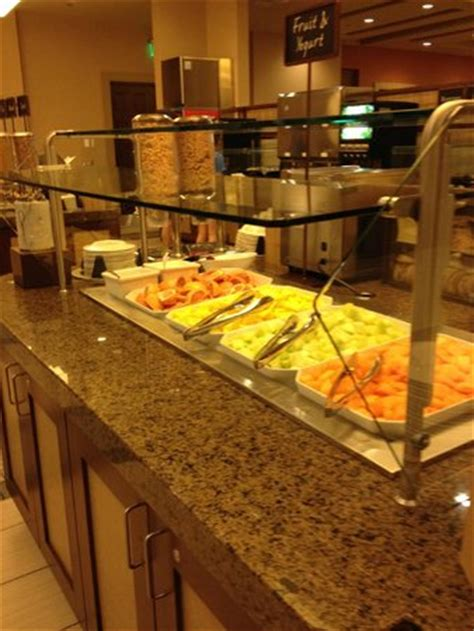 embassy suites breakfast buffet breakfast buffet picture of embassy suites by