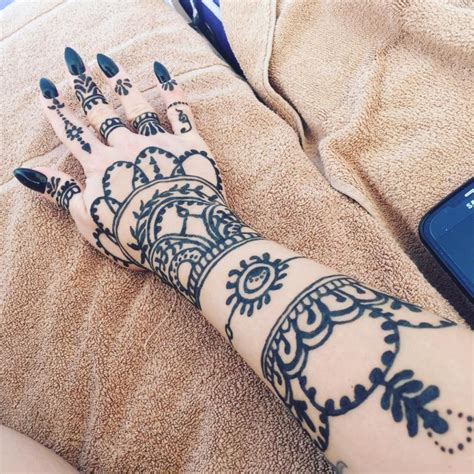 do henna tattoos hurt how do henna tattoos last 75 inspirational designs