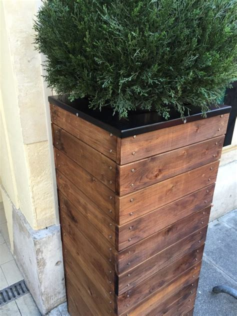 Remodelaholic Vive La France Build A Tall Wooden Planter Wooden Flower Planters