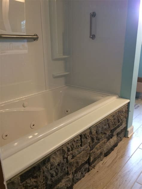 airstone bathtub best 25 airstone wall ideas on pinterest airstone lowe tv and diy interior faux stone wall