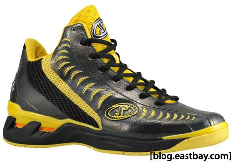 eastbay boys basketball shoes spalding threat basketball shoe eastbay
