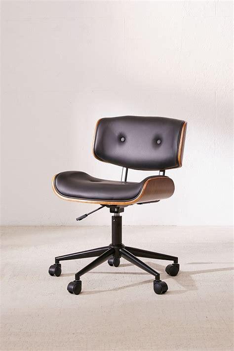 realspace magellan pneumatic stand up height adjustable desk best 25 adjustable desk ideas on standing