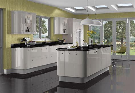 Solent Kitchen Design Gloss White