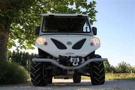 electric 4x4 vehicle off road utility vehicles