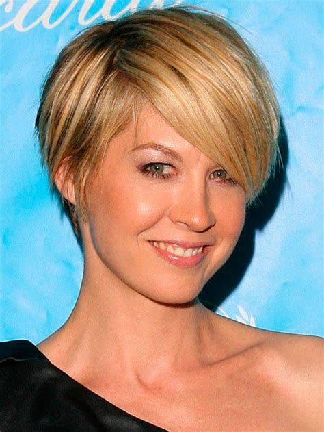 pictures womens hairstyles long on top short on sides long pixie haircuts for women