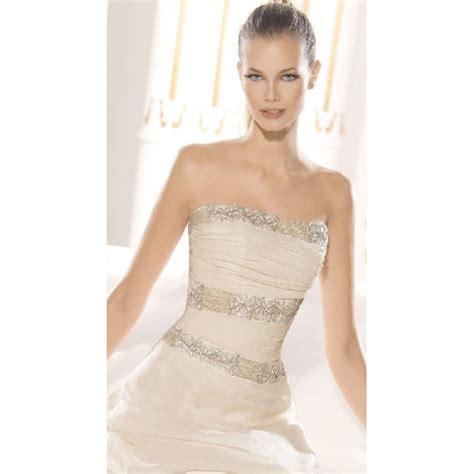 imagenes de vestidos de novia bordados vestidos de novia con color hispabodas