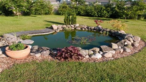 small backyard ponds backyard ideas