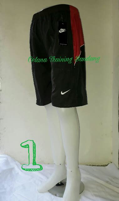 Celana 3 4 Parasut jual celana pendek parasut celana futsal celana badminton