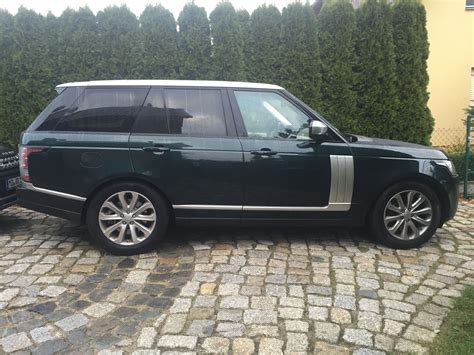 land rover green range rover vogue 2016 aintree green indus silver a