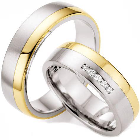 Hochzeitsringe Gelbgold by Hochzeitsringe Aus Edelstahl Mit Gelbgold Und Brillant