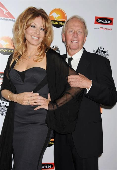 linda kozlowski paul hogan wife paul hogan is divorced celebrities and entertainment news
