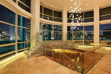 ultimate chicago penthouse offered   million