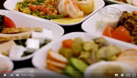 canales de cocina emirates lanza unos canales de cocina a bordo que muestran