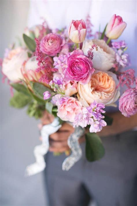 5 Of The Prettiest Spring Wedding Bouquets Ever | 5 of the prettiest spring wedding bouquets ever weddings