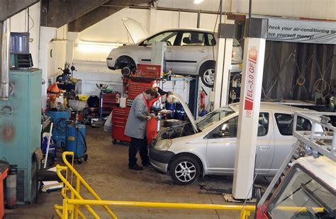 uk motorists forking out hundreds on car repair