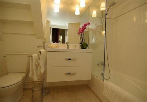 gambar desain kamar mandi dibawah tangga contoh desain kamar mandi bawah tangga rumah minimalis