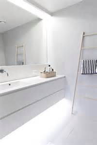 minimalist bathroom design 45 stylish and laconic minimalist bathroom d 233 cor ideas