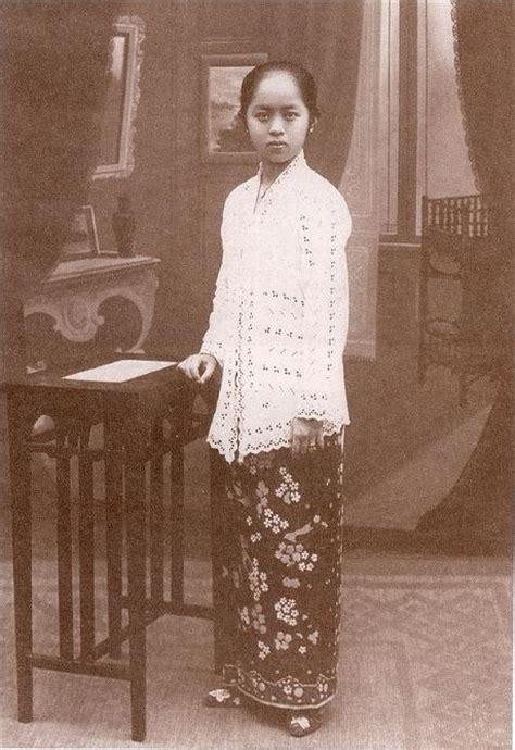 Dress Wanita Is 1899 17 best images about batik kebaya on