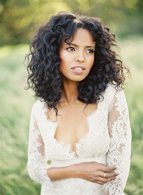 33 modern curly hairstyles that will slay on your wedding day