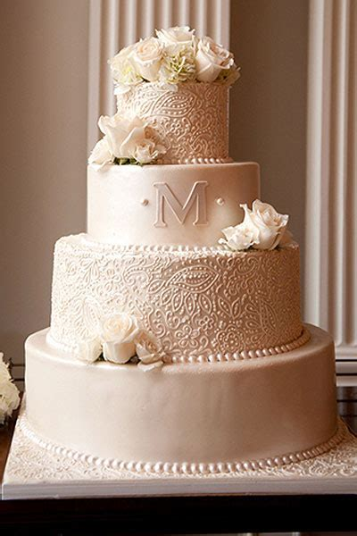 20 Incredibly Elegant Wedding Cakes   MODwedding