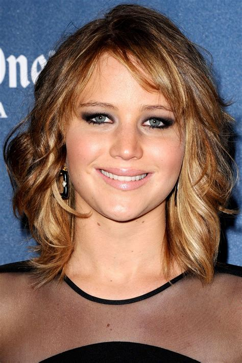 jennifer lawrence hair co or for two toned pixie jennifer lawrence s short hairstyle shocks her hairdresser